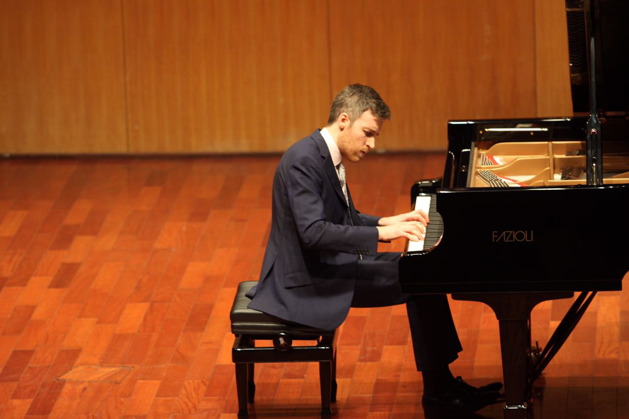 Richard Uttley (Wenzhou theatre)